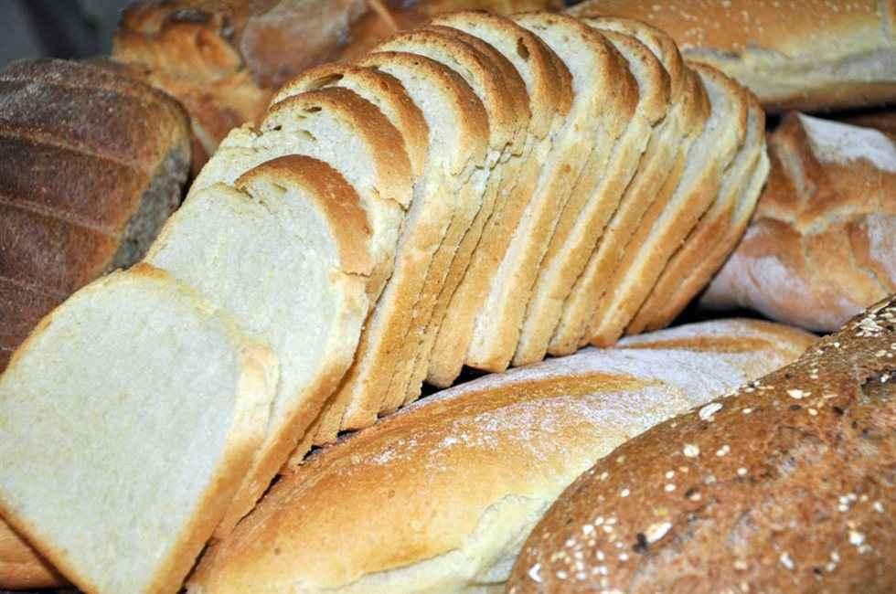 Καθαρίστε το δάπεδο με ψωμί για τοστ!
