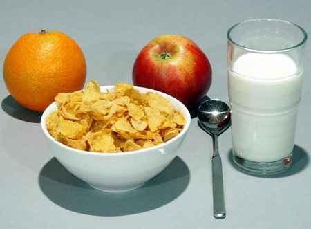 Πέντε βασικοί λόγοι για να τρώτε κάθε μέρα πρωινό