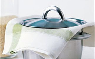 Πολλά τα μικρόβια στην πετσέτα της κουζίνας