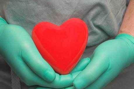 Πρώτη επιτυχής μεταμόσχευση «νεκρής» καρδιάς