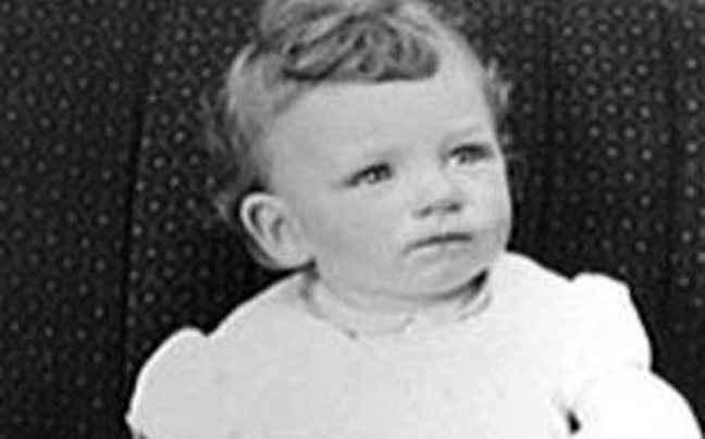 Αναγνωρίζετε το μωράκι της φωτογραφίας;