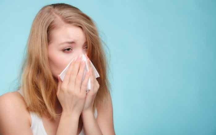 Βουλωμένη μύτη; Οι 4 κινήσεις που θα σας ανακουφίσουν άμεσα