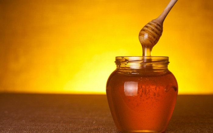 Γιατί το μέλι ανήκει στο ντουλάπι με τα... φάρμακα