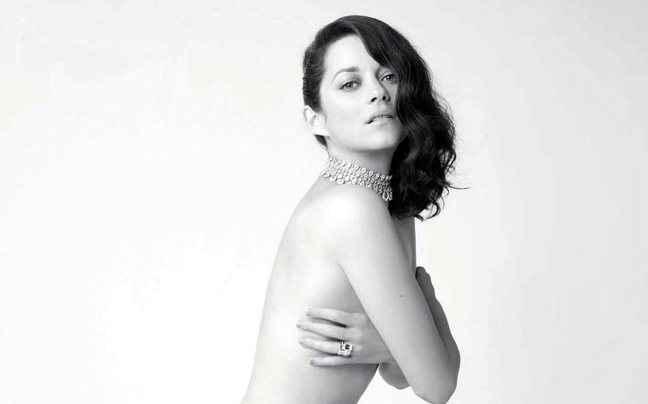Γυμνή σε εξώφυλλο περιοδικού η Marion Cotillard