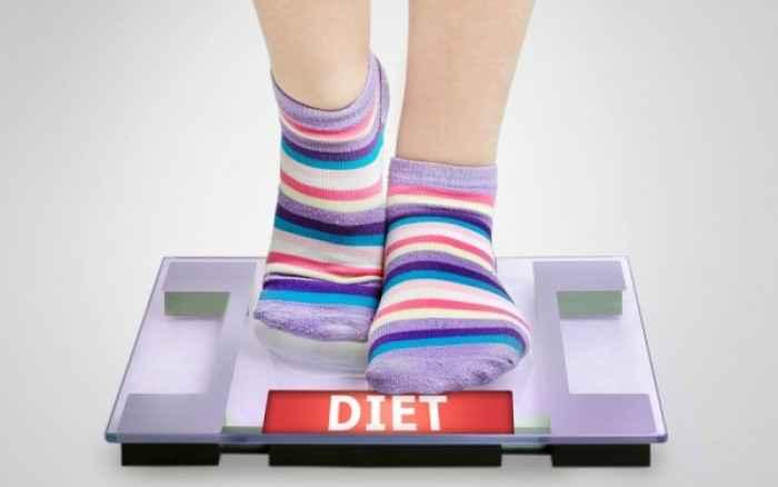 Διακυμάνσεις βάρους: Πότε οφείλονται σε κατακράτηση υγρών