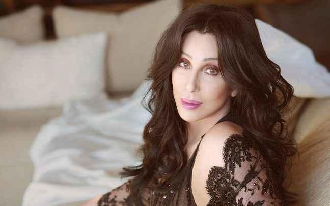 Η Cher ακύρωσε τη περιοδεία της λόγω προβλήματος υγείας