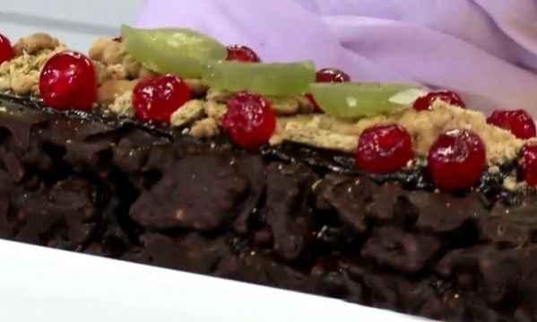 Κορμός σοκολάτας με μπισκότα και φρουί γλασέ!