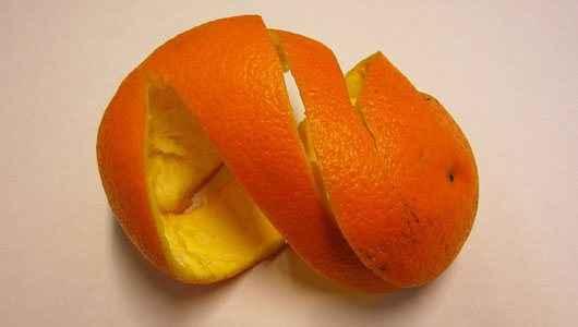 Μάσκα με φλούδες από πορτοκάλι