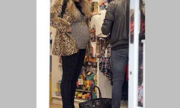 Ποια πασίγνωστη ηθοποιός πίστευε ότι δε θα γίνει ποτέ μητέρα κι είναι έγκυος; (εικόνες)