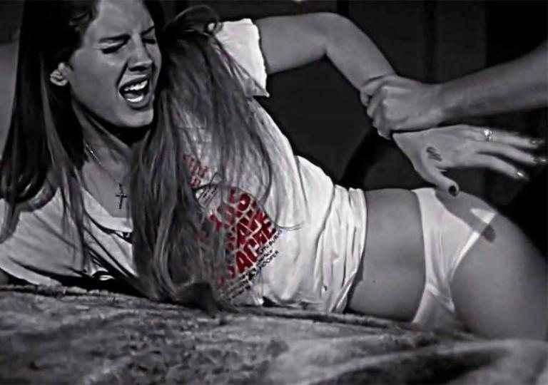Σάλος με τον «βιασμό» της Λάνα ντελ Ρέι