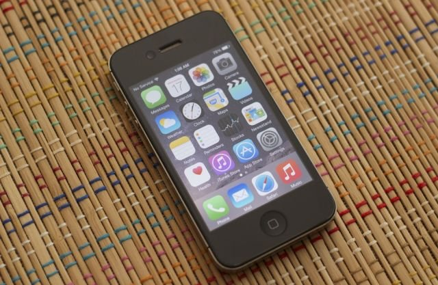 Το iOS 8.1.1 δεν έλυσε τα προβλήματα στο iPhone 4s