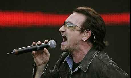 Τρόμος στον αέρα για τον τραγουδιστή των U2