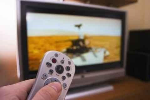 Smartphones και ταμπλέτες «κερδίζουν» την τηλεόραση