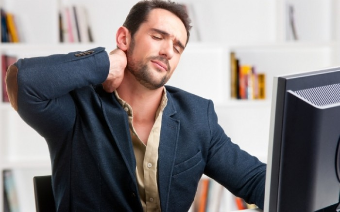 Ασκήσεις για να ξεπιαστείτε» στο γραφείο