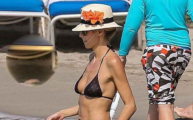 Η Heidi Klum με μπικίνι στη Τζαμάικα