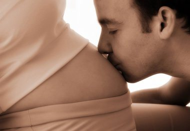 Και οι άντρες επηρεάζονται από συμπτώματα… εγκυμοσύνης