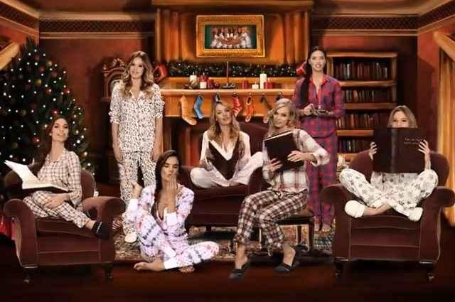 Καλά Χριστούγεννα από τους αγγέλους της Victoria's Secret