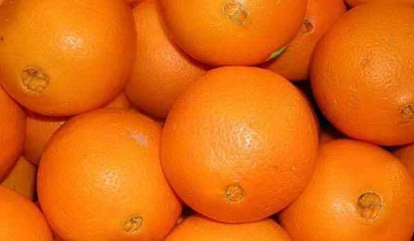 Μειώστε τους μαύρους πόρους με πορτοκάλι