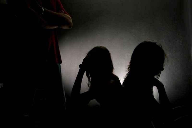 Με AIDS μολύνθηκαν δυο μικρά παιδιά που εξωθήθηκαν στη πορνεία