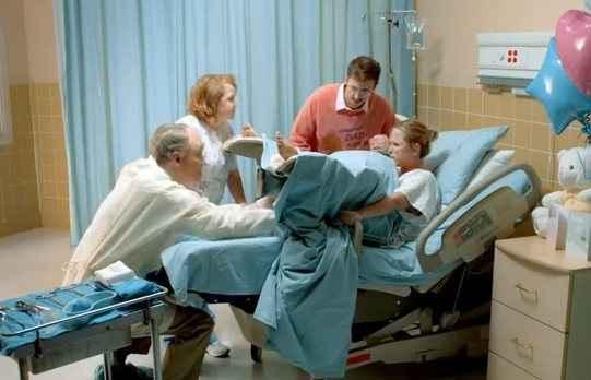 Περίπου 250 χιλ. γυναίκες πεθαίνουν κάθε χρόνο λόγω επιπλοκών στον τοκετό ή στη γέννα