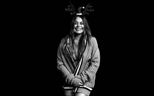 Στο πνεύμα των Χριστουγέννων η Lindsay Lohan