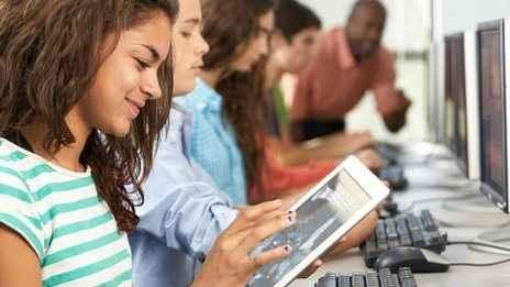 Τα tablets μπαίνουν στα βρετανικά σχολεία