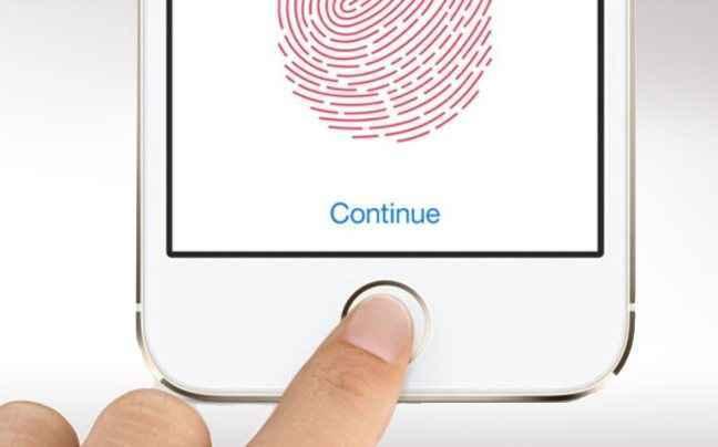 Χάκερ ισχυρίζεται πώς «έσπασε» το Touch ID