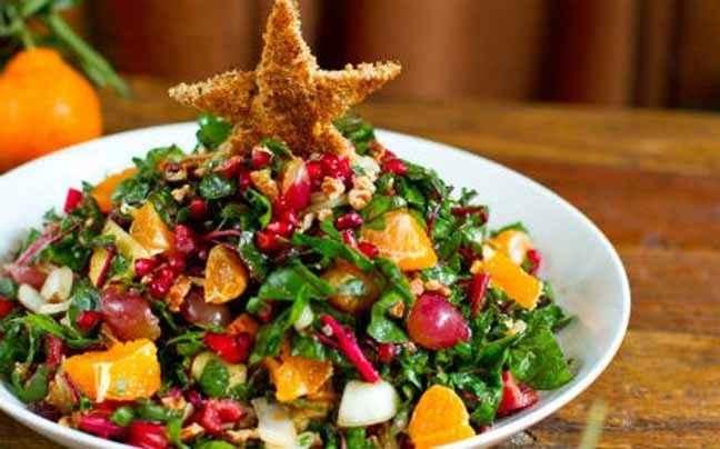 Χριστουγεννιάτικη σαλάτα με παντζάρια, ρόδι και μανταρίνι