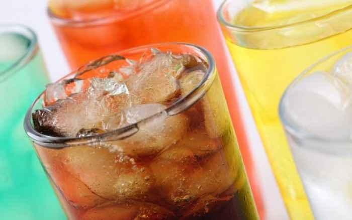 Αναψυκτικά: 8 τρόποι που επηρεάζουν την υγεία μας