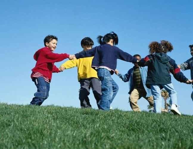 Γιατί το παιχνίδι βελτιώνει τις επιδόσεις των παιδιών