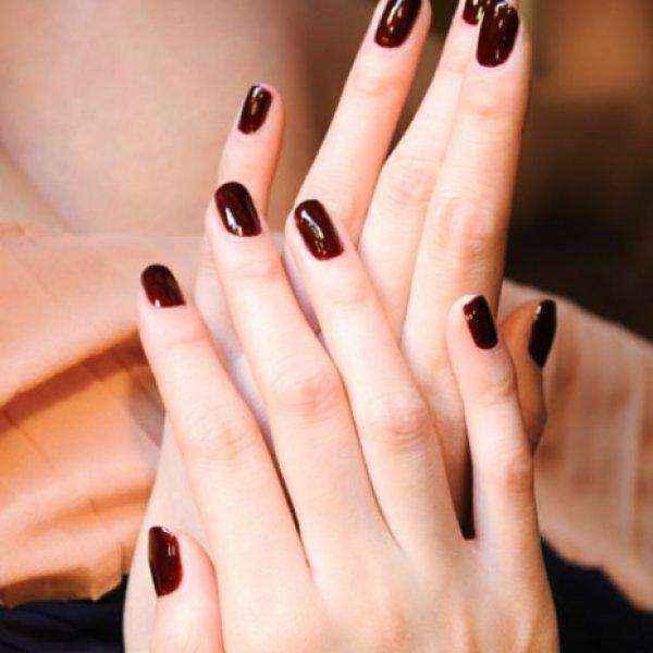 Διατηρήστε τα νύχια σας τέλεια βαμμένα για περισσότερο απ' ό,τι φανταζόσαστε!
