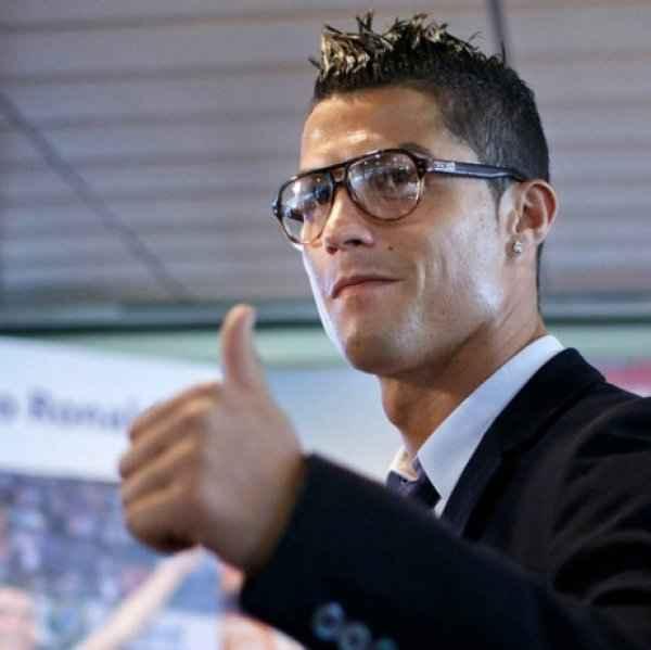 Η εκδίκηση του Ronaldo Δείτε τη νέα καλλονή και διάσημη σύντροφό του