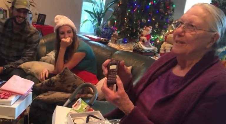 Η τρομερή γιαγιά και το iPhone