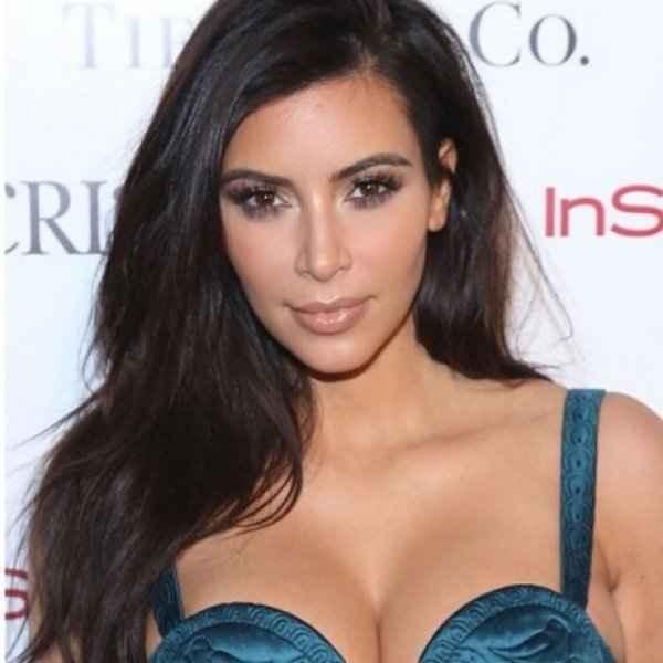 Η Kim Kardashian εξηγεί για ποιο λόγο δε χαμογελά πολύ στις φωτογραφίες...