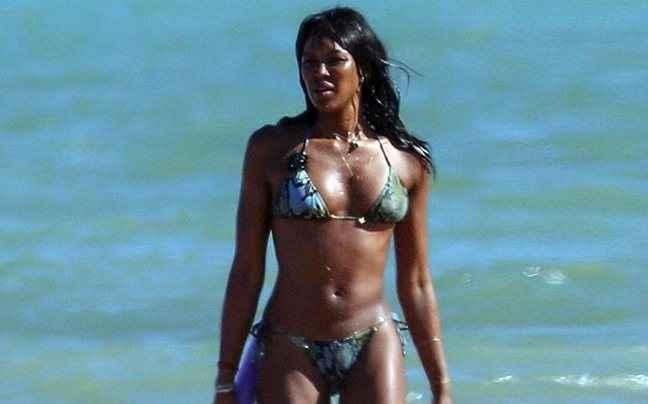 Η Naomi Campbell τρελαίνει τους Βραζιλιάνους