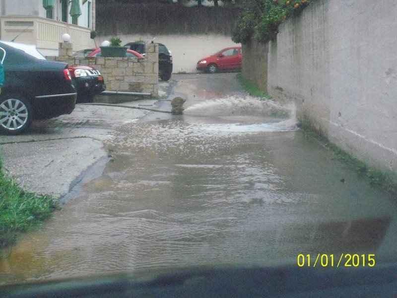 Πλημμύρισαν σπίτια και δρόμοι στα Χανιά