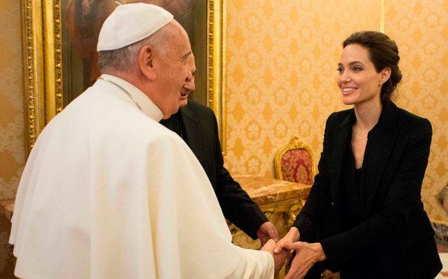 Συνάντηση της Αντζελίνα Τζολί με τον Πάπα
