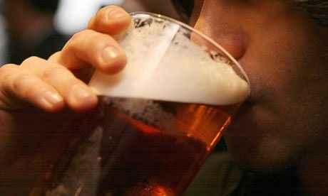 Το λίγο αλκοόλ είναι... καλύτερο από το καθόλου