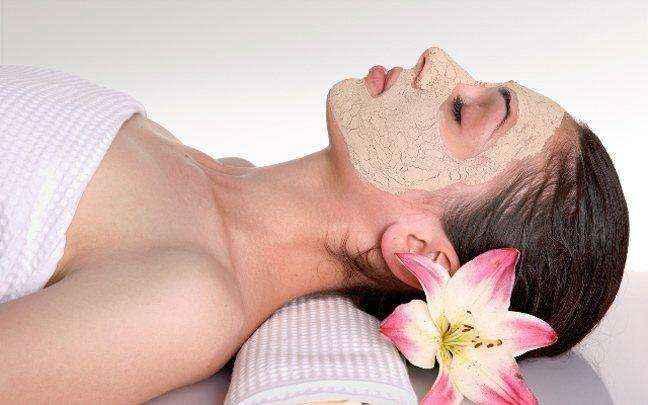 Φυσική μάσκα ανανέωσης για το πρόσωπο
