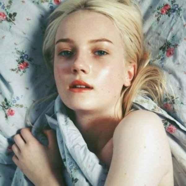 3 απλοί τρόποι για να διατηρείτε το δέρμα σας πανέμορφο ενώ κοιμάστε!