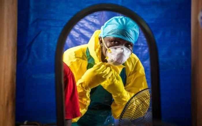 Έμπολα: Πολύ πιθανή η μετάδοση μέσω του αέρα