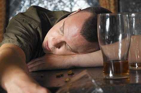 Η ορμόνη της αγάπης και ο ρόλος της στο μεθύσι