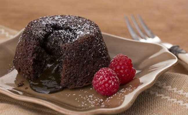 Κέικ με σοκολατένια «λάβα»
