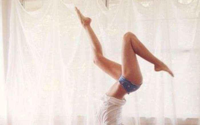 Μήπως να τις δοκιμάζατε; 3 ασκήσεις που θα γραμμώσουν το σώμα σας άμεσα