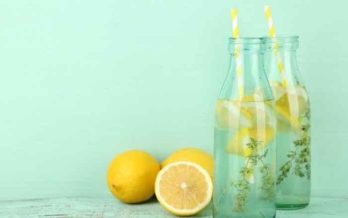 Νερό με λεμόνι για τη δυσπεψία: Μύθος ή αλήθεια;