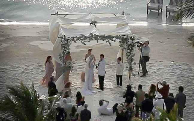 Οι πρώτες φωτογραφίες από τον γάμο του Johnny Depp