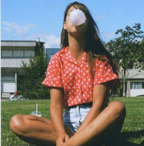 Ο πιο εύκολος τρόπος να αφαιρέσετε την τσίχλα από τα δερμάτινα ρούχα σας!
