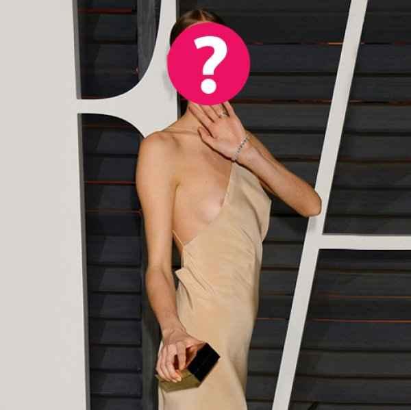 Πόζαρε χαμογελαστή με το στήθος φόρα παρτίδα: Ποια star θέλει να ξεχάσει τα φετινά Oscar;