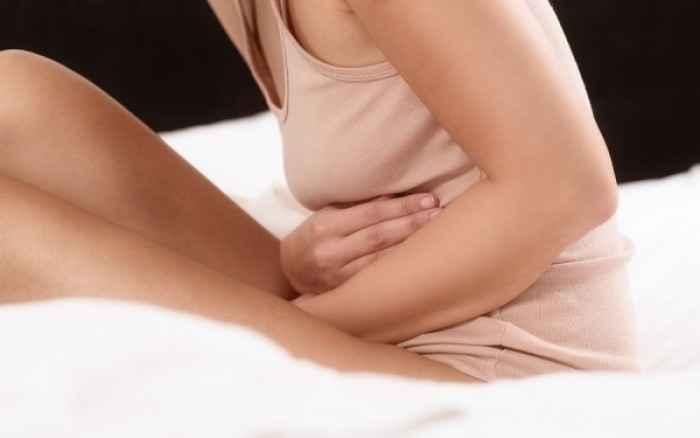 Πώς να αποφύγετε τους πόνους της περιόδου με φυσικούς τρόπους