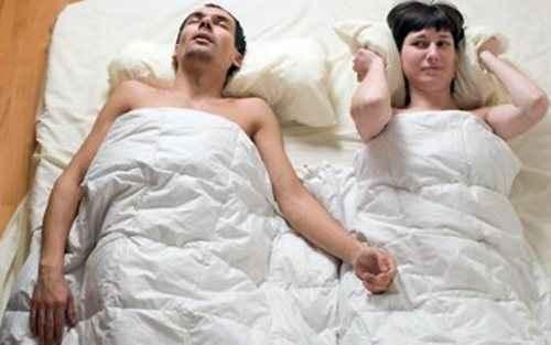 Το ροχαλητό καταστρέφει την ερωτική ζωή